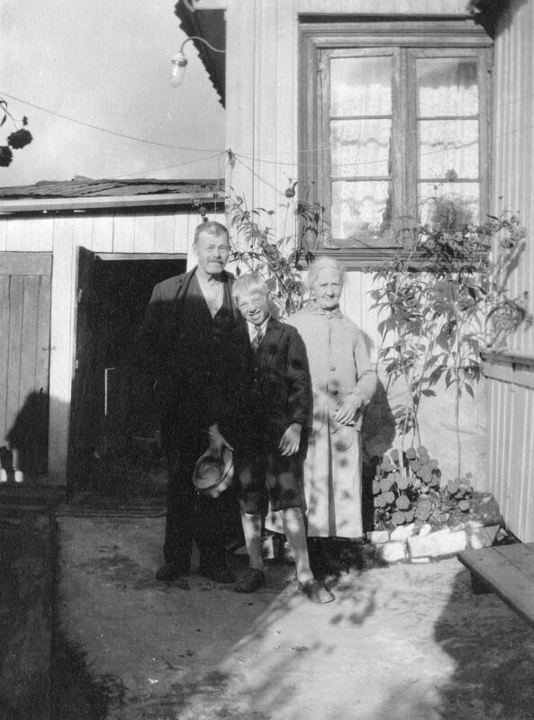 Augusta Marius med barnebarn (Foto/Photo)