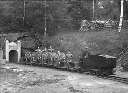 Persontog ved inngangen til Underbergstollen. (Foto/Photo)