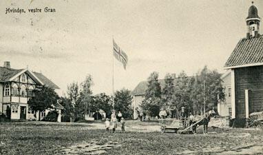 Hvinden vestre i Vestre Gran, ca 1910. Foto: Randsfjordmuseet. (Foto/Photo)