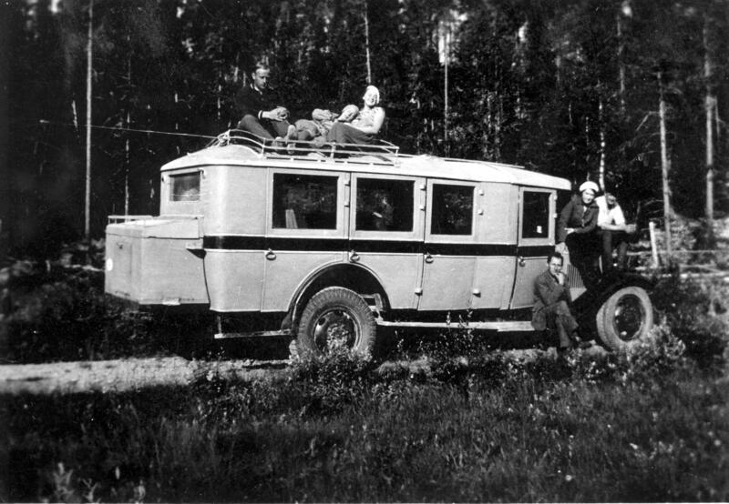 På busstur. Engerdal, 1934. Foto: Anno Glomdalsmuseet. (Foto/Photo)