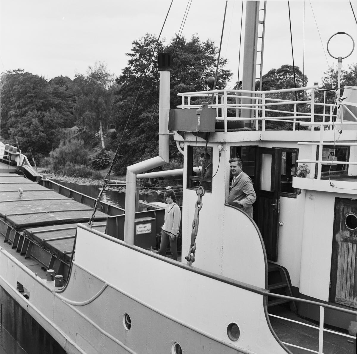 """Annaliese Wehlen"" från Hamburg, Fyrisån, Uppsala 1963"