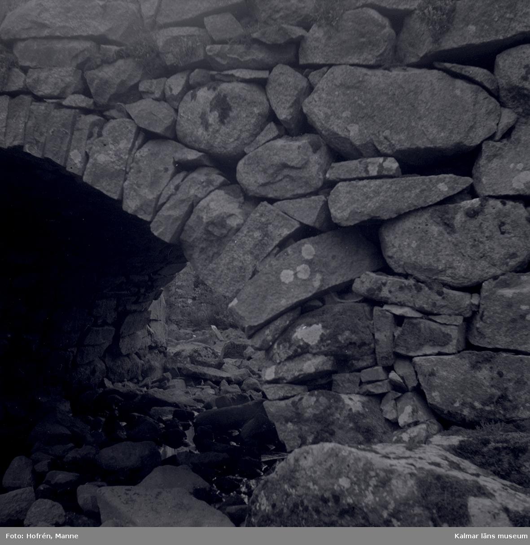 Stenvalvbro i Alsterbro. Envalvs kallmurad bro.