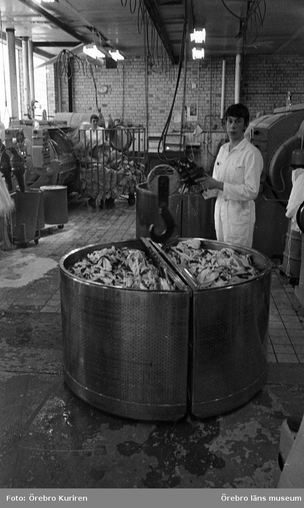 Konsums tvätteri, 19690324.Småföretagen förhindrar en positiv löneutveckling. Sämst betalt av alla branscher..