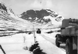 Snørydding på Hemsedalfjellet, nordom Bjøberg i 1957.