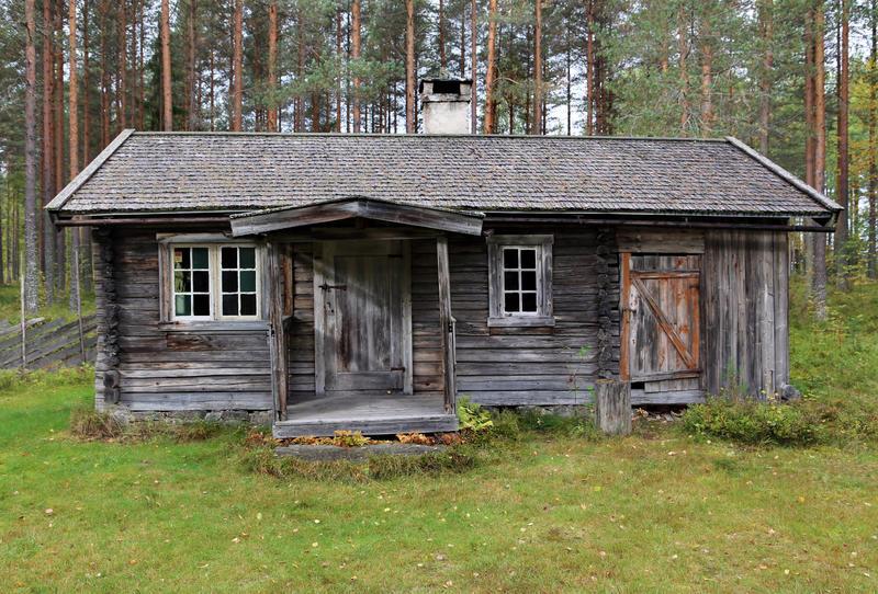 Husmannsstua fra Kvesetmoen, Hof i Åsnes. (Foto/Photo)
