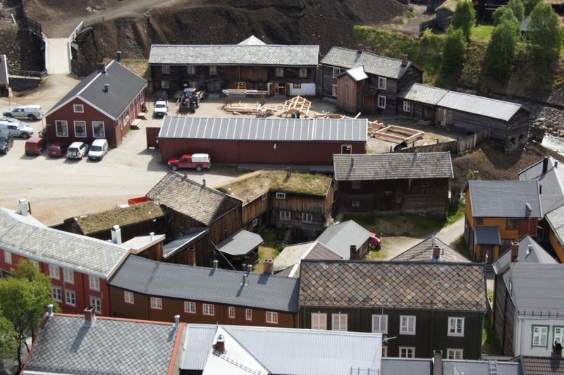 Kurantgården med laftekonstruksjoner (Foto/Photo)