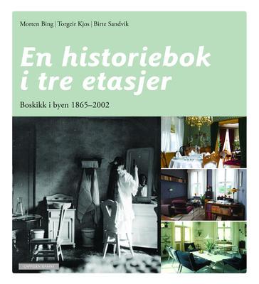 En historiebok i tre etadjer. Foto/Photo