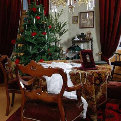 Jul i  Dukkehjemmet