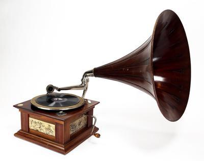 Sveivegrammofon. Foto/Photo