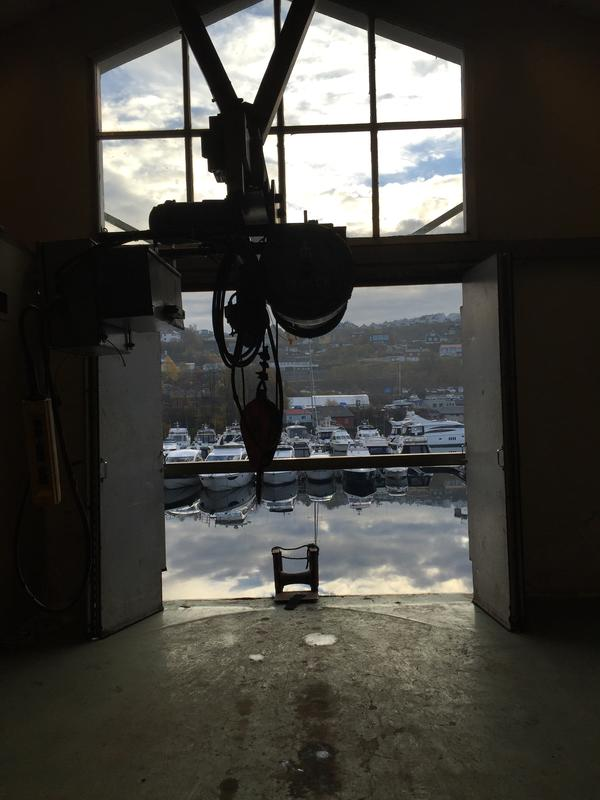 Fra lastehallen i Dolviken sjøkabellager
