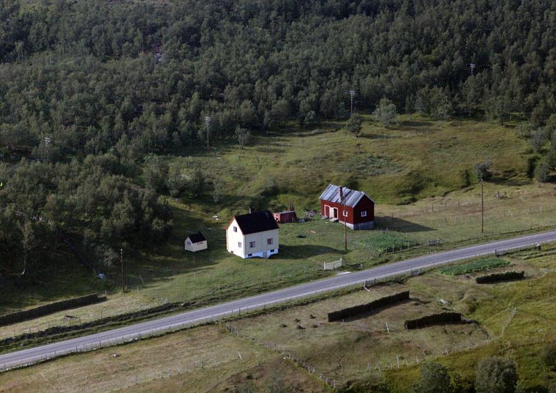 Fjøs fra Indre Billefjord (Foto/Photo)