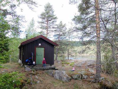DNT Ringerikes hytte Hovinkoia i Holleia våren 2011. (Foto/Photo)