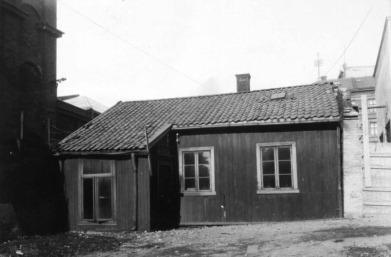 """Chr. Krohgs gate 16 på """"rot"""". R. NF.01690-017"""
