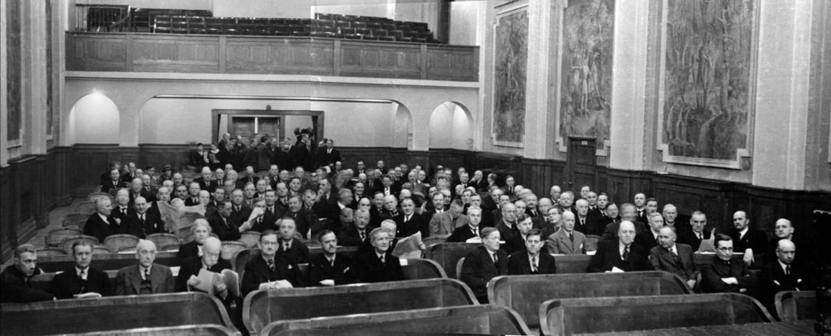 Hamar blir hovedstad for en dag, da Stortinget blir satt på Festiviteten i Hamar 9. april. Foto: Karl K. Kleppe/Domkirkeoddens fotoarkiv.