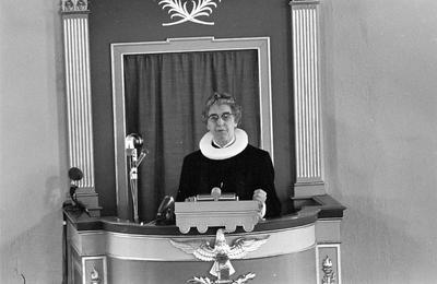Ingrid Bjerkås den første kvinnelige pres