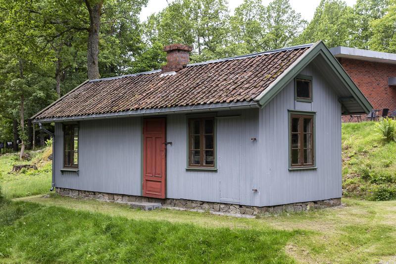 Blikkenslagerverkstedet. Gjenoppført på Follo museum i perioden 1983-91.