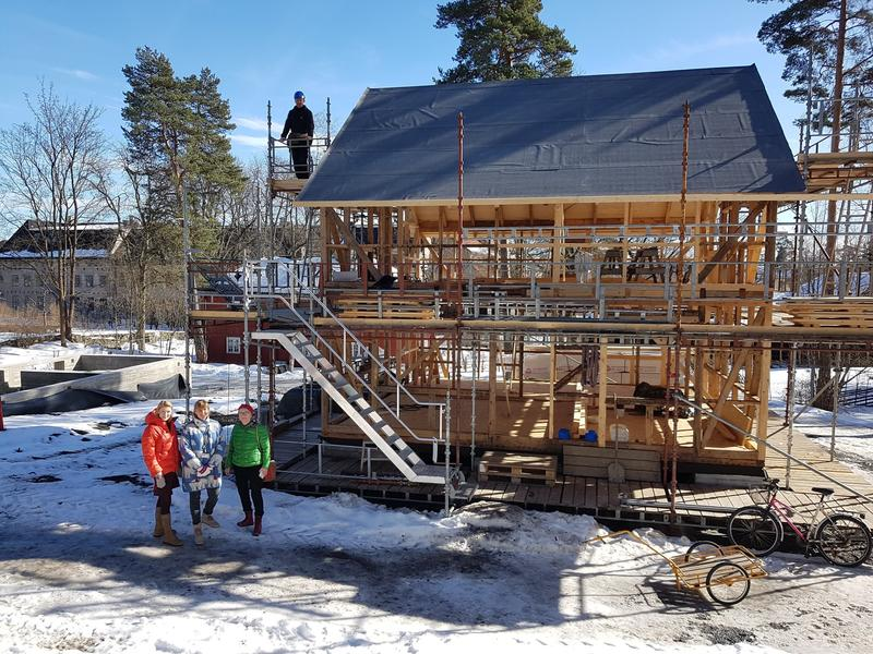 Huset fra Olderfjord under tak