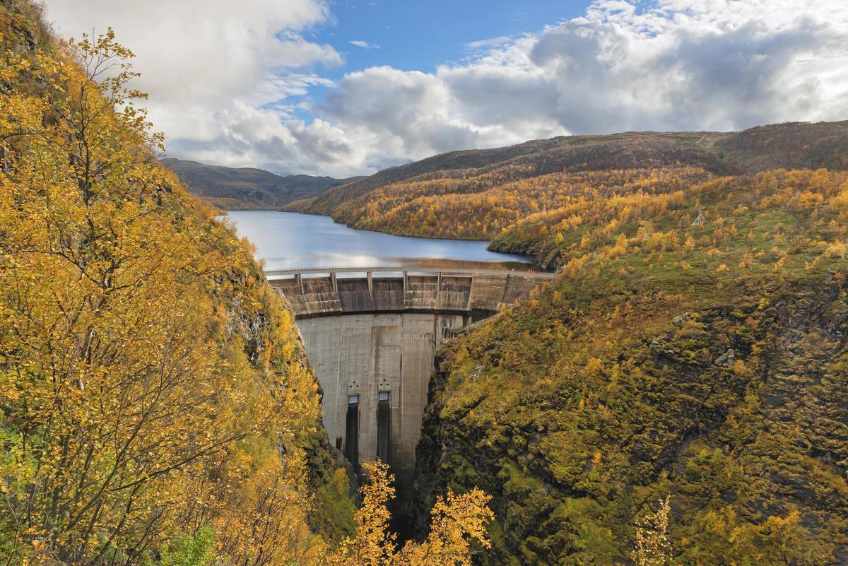 Kampen om Alta pågikk over en lang periode, fra planleggingen startet i 1968 til kraftverket stod ferdig i 1987.