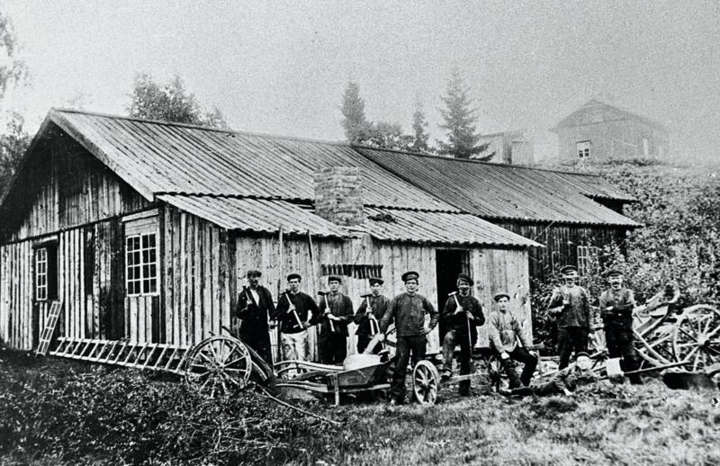 Den gamle Bodinsmia ved Holt, ca. 1910.