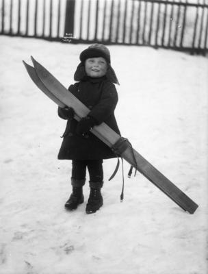 Gutt  med ski, Anders Beer Wilse, Norsk Folkemuseum