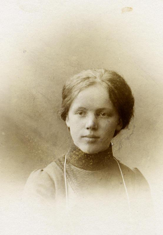 Olga Olsen. Ukjent fotograf. BV 87-109. (Foto/Photo)