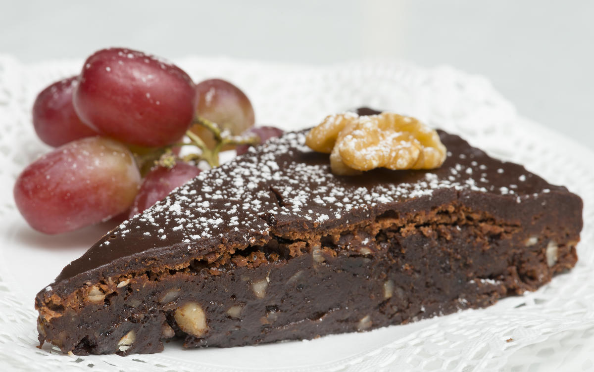Bohemkake – en rik sjokoladekake med nøtter (Foto/Photo)