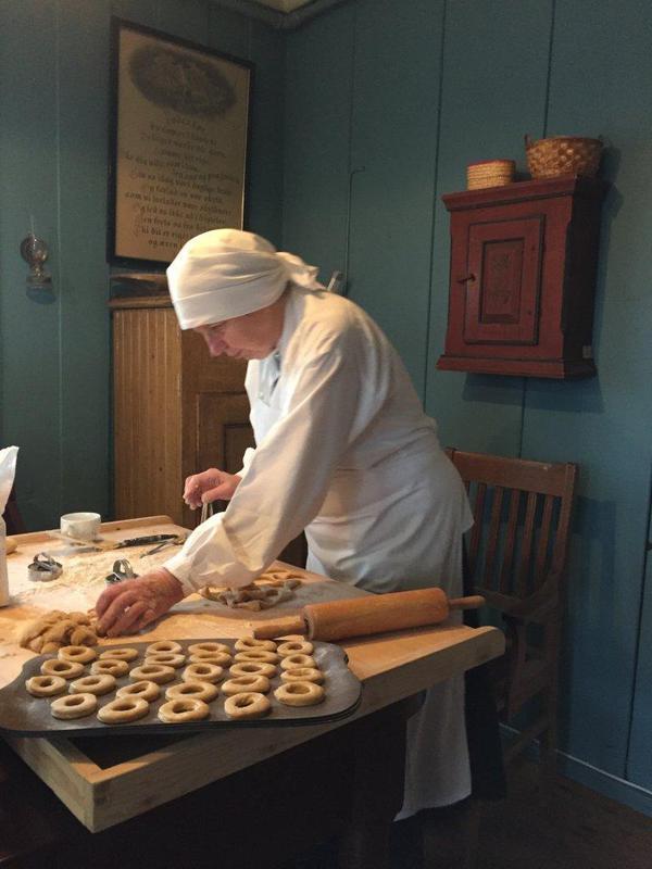 Baking av smultringer (Foto/Photo)