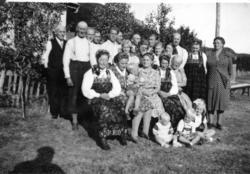 Gravferdsdagen til John W. Wøllo frå garden Søre Vøllo, 85.1