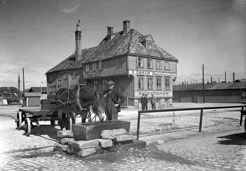 Tavern ble flyttet til Sverresborg i 1946. Før det stod bygget ved det gamle Slaveriet på Brattøra. (Foto/Photo)