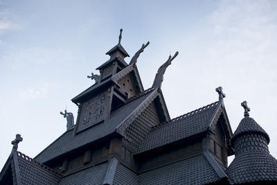 Roof and ornaments of Stave Church from Gol. Foto/Photo