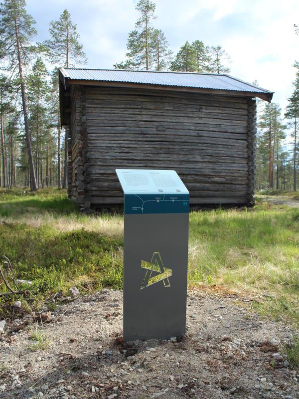 Skilt ved stallåve (Foto/Photo)