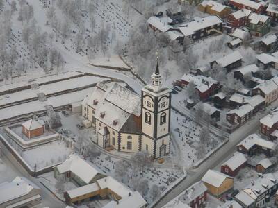 Røros kirke flyfoto. Foto/Photo