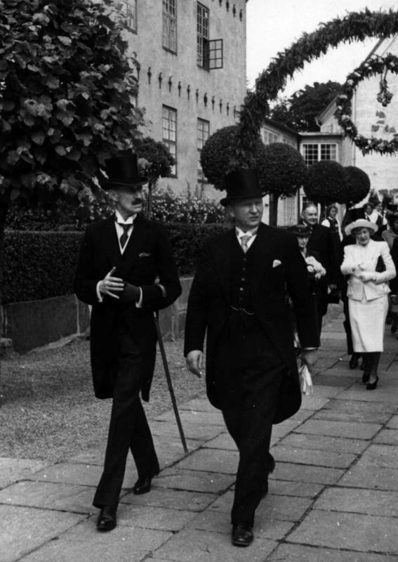 Åpning av utstillingene rundt Torget 27. juni 1938. (Foto/Photo)