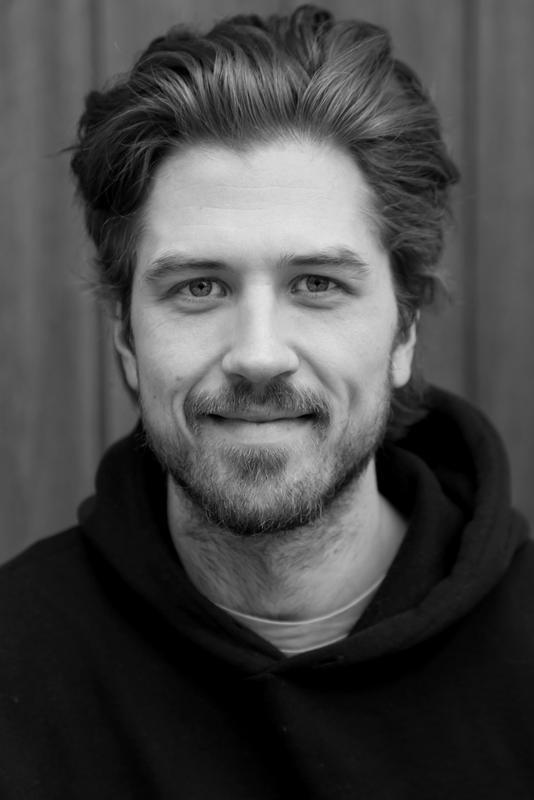 Portrett av en mann, svart/hvit