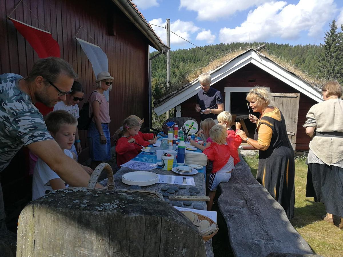 Middelalder skjoldverksted (Foto/Photo)
