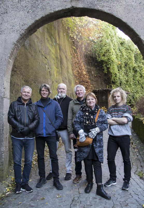 """Lars Klevstrand, Steinar Ofsdal, Carl Morten Iversen, Jon Arne Corell, Kari Svendsen og Pål """"Moddi"""" Knutsen er klare for konsert på Rockheim 18. oktober. (Foto/Photo)"""