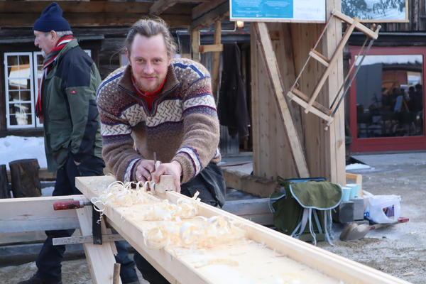 Handhøvling_Jostein_Utstumo. Foto/Photo