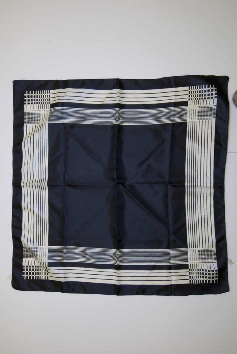 Sort og hvitt mønstret tørkle, striper og ruter