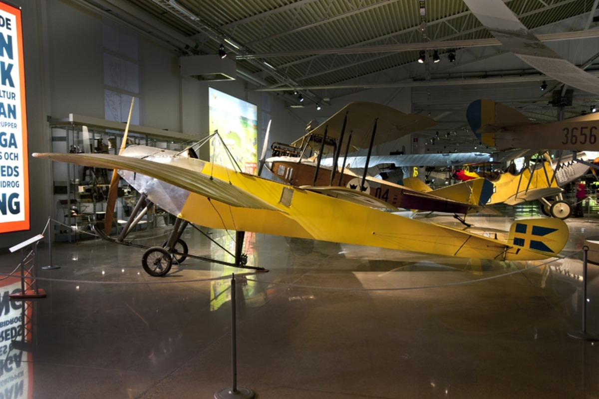 Monoflygplan, M1 Nieuport, IV-G Ensitsigt spaningsflygplan med en roterande Gnome-motor.